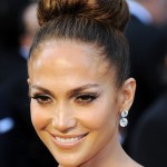 Jennifer-Lopez-Classic-Bun-Updo-for-Prom